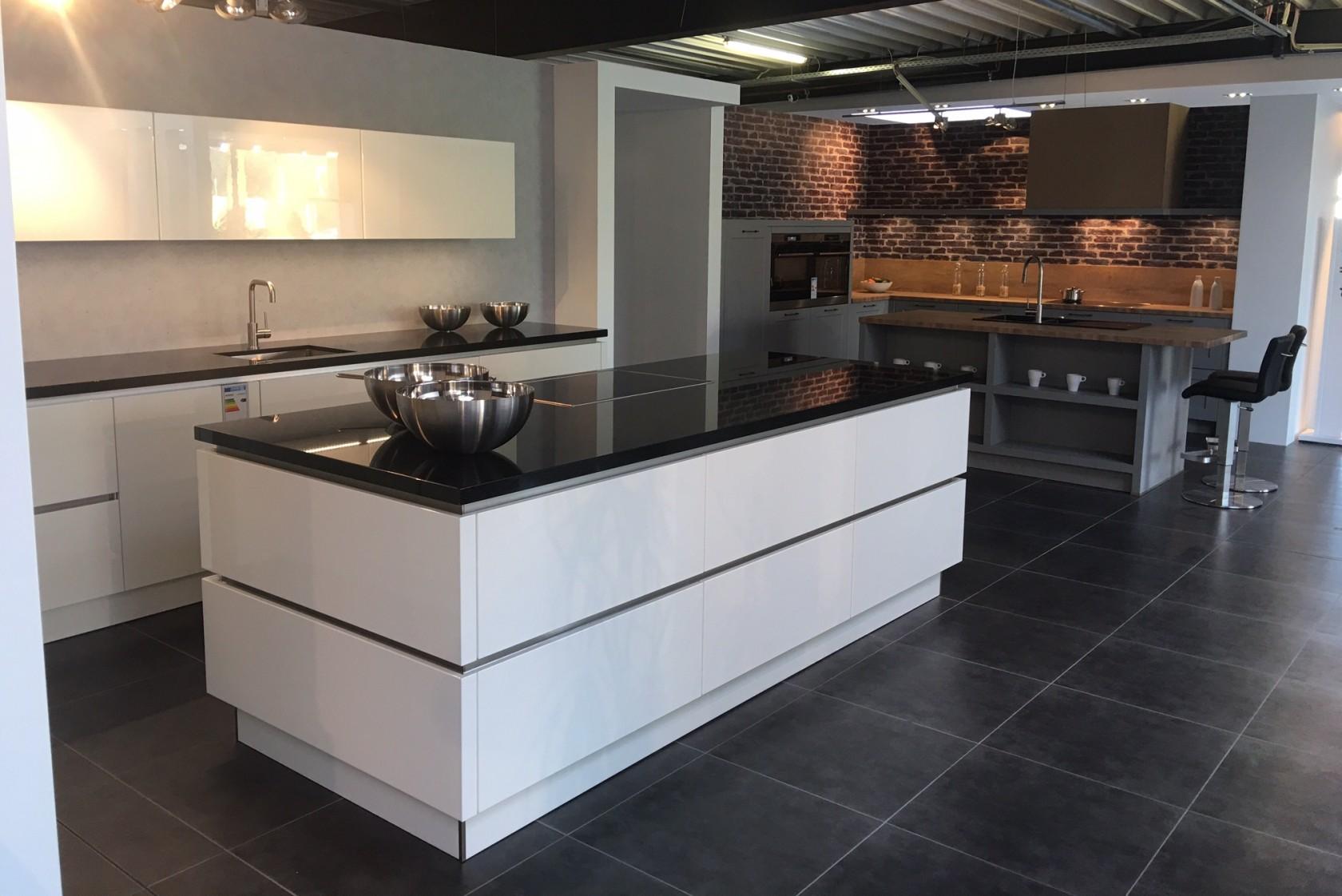 ber uns k chen nordhorn m bel nordhorn m bel faber. Black Bedroom Furniture Sets. Home Design Ideas