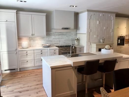 weiße designerküche